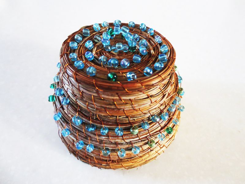 Aqua beads nest lid