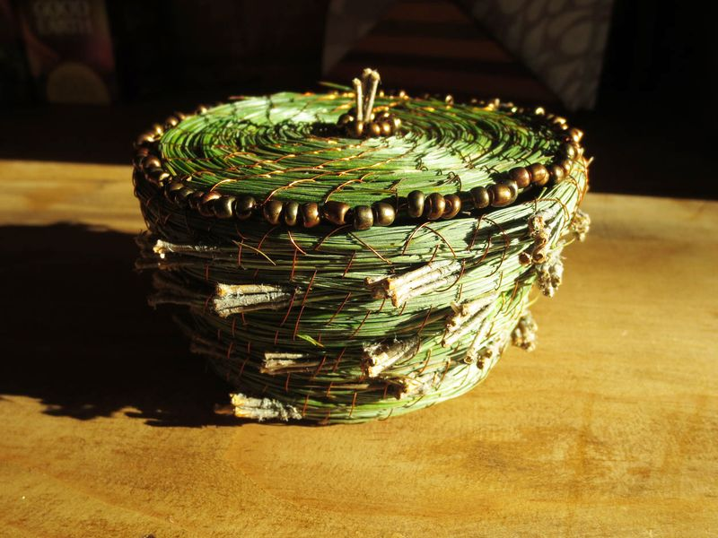 Green nest with lid